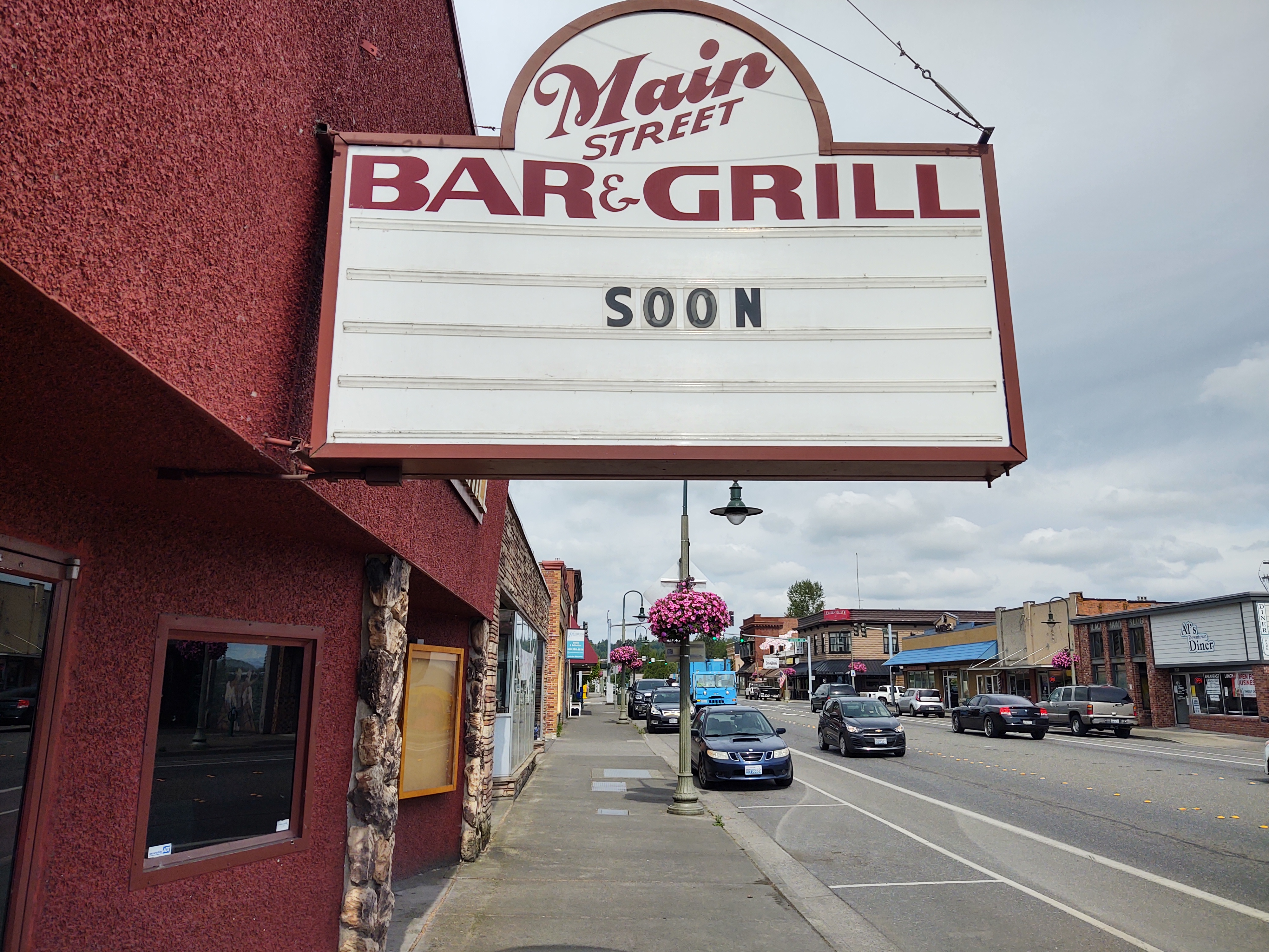 Readerboard on the Main Street Bar & Grill as businesses await the opportunity to legally reopen (June 5, 2020). Photo: My Ferndale News