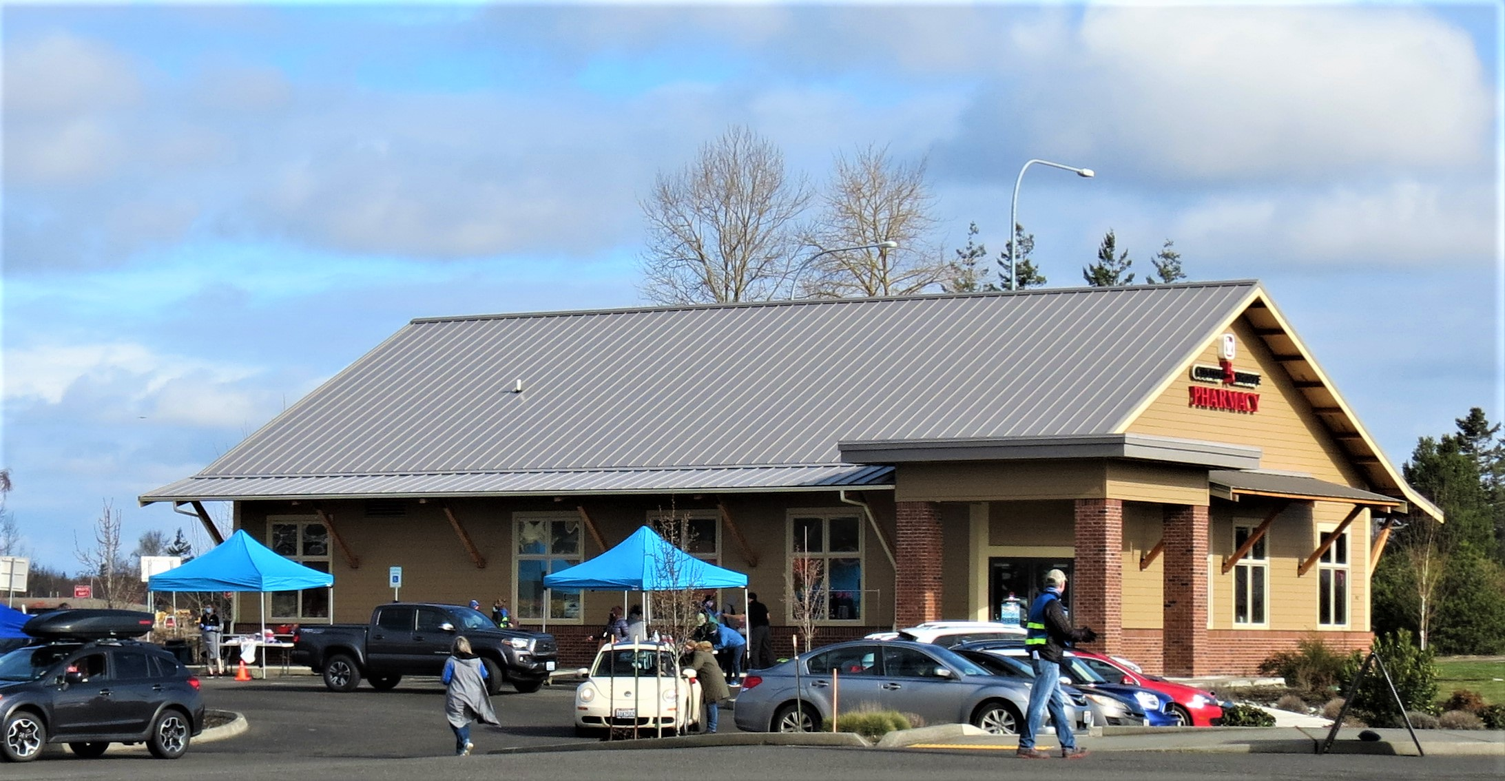 Scene of a COVID-19 immunization clinic for Bellingham Public Schools staff at Custom Rx Shoppe Pharmacy (March 6, 2021). Photo: My Ferndale News
