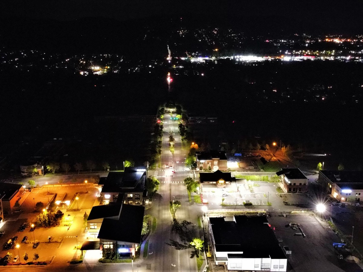 Looking south down Woburn Street during a power outage (May 10, 2021). Photo courtesy of James Skar