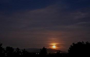 Moonrise (June 24, 2021). Photo courtesy of Jackie Rodriguez of Ferndale.