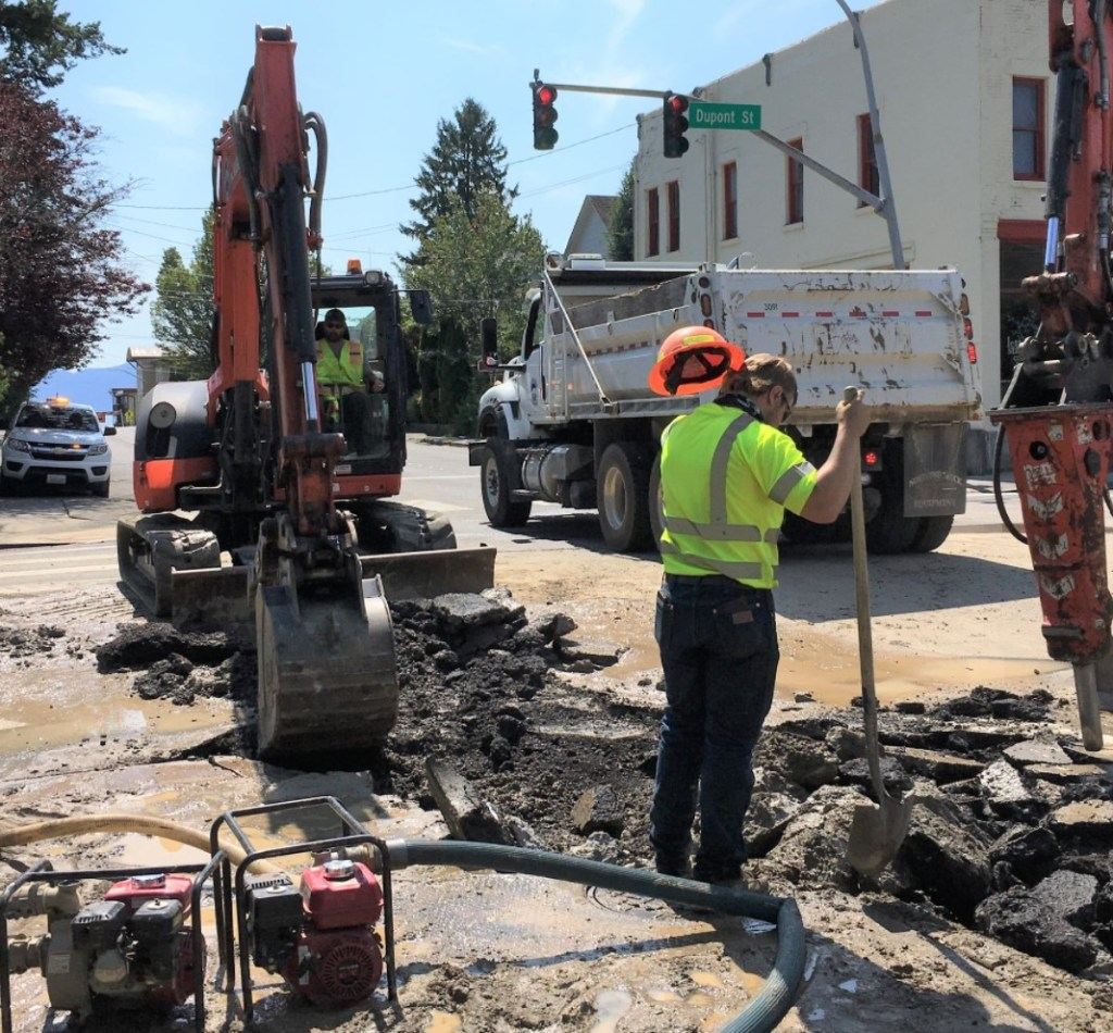 City of Bellingham workers deal with broken water main at the intersection of Dupont and F Streets (July 9, 2021). Photo courtesy of City of Bellingham