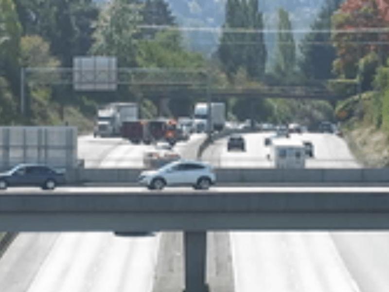 Scene of a multiple vehicle crash on I-5 (September 13, 2021). Source: WSDOT