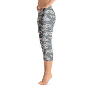 USA Women's Digital Camouflage Capri Leggings