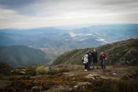 Trilha com amigos no pico mais alto do estado de São Paulo
