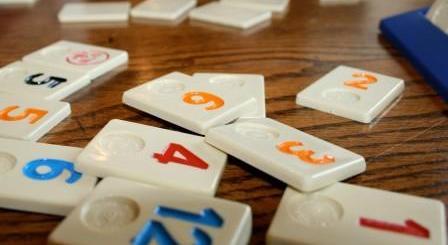 play rummikub game
