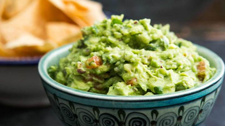 How to Make Guacamole and Know its Health Benefits