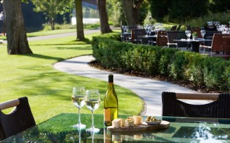 the-lounge-riverside-terrace