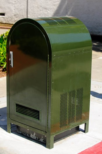 Small Cell Power Supply Disguised as a Mailbox