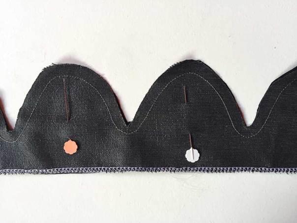 scallop button placket
