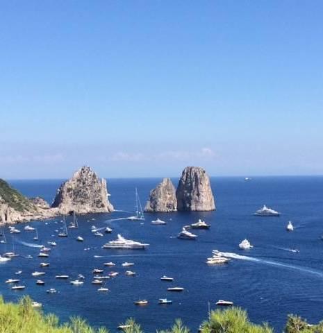 faraglioni in Capri