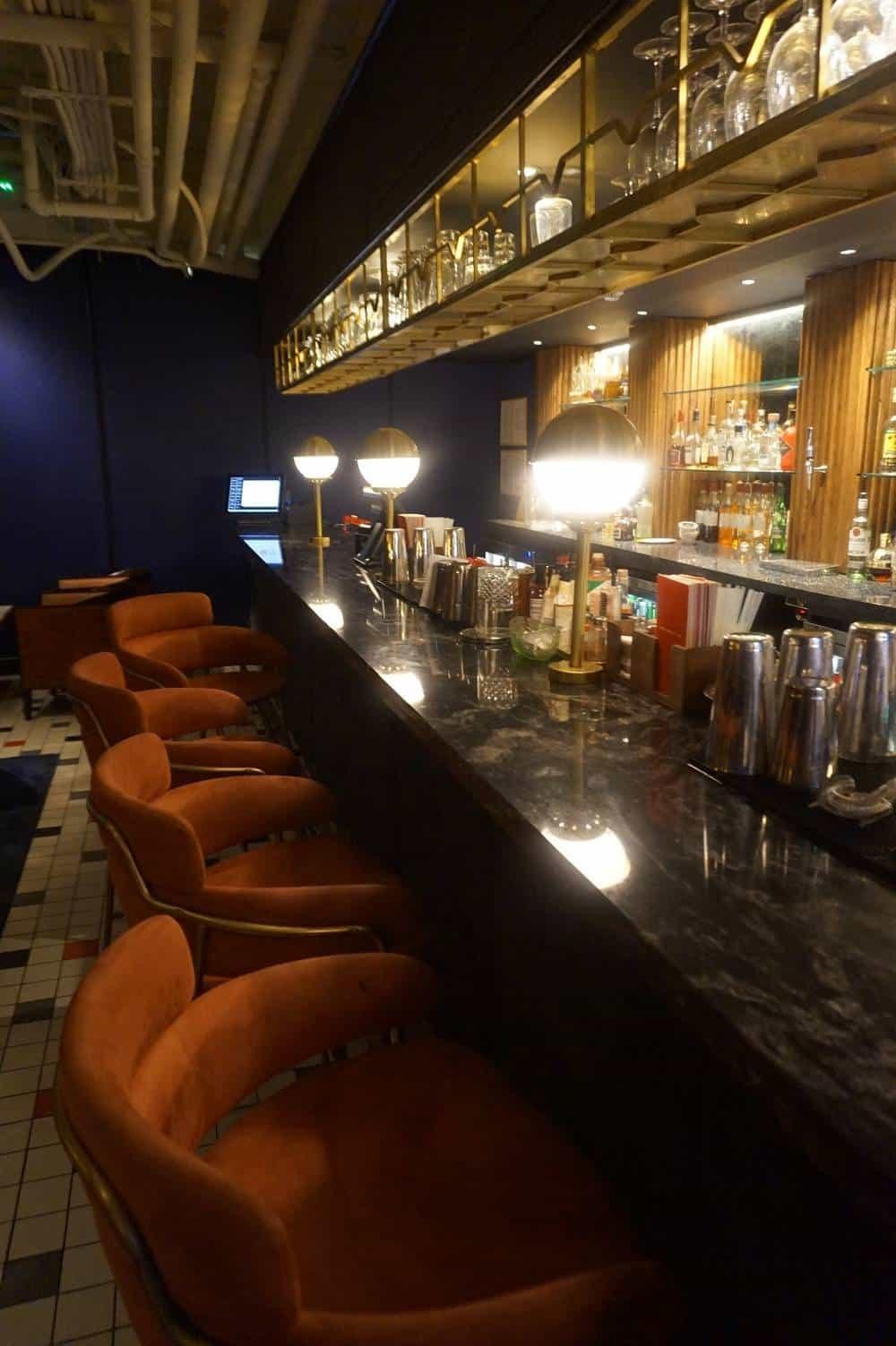 Bar at Cha Chaan Teng in London