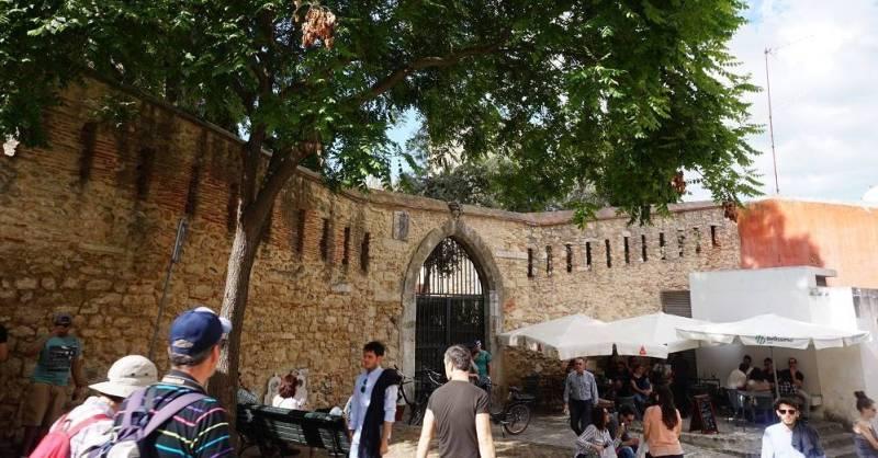 The walls of Castelo de Sao Jorge