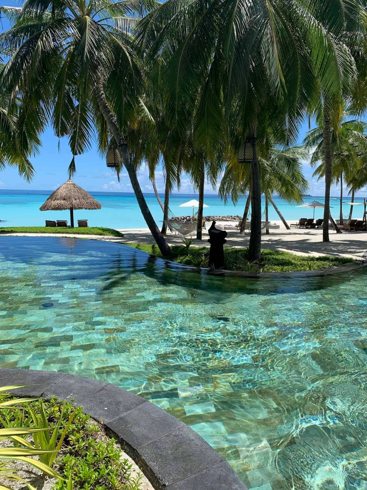 Reethi beach pool