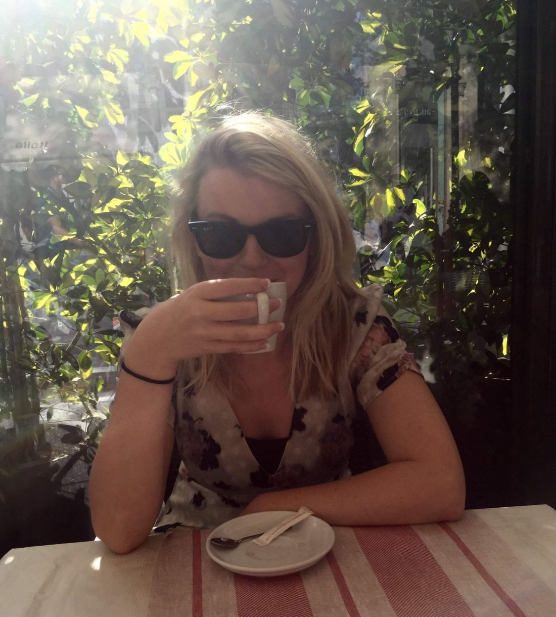 Having coffee on the Passeig de Gràcia