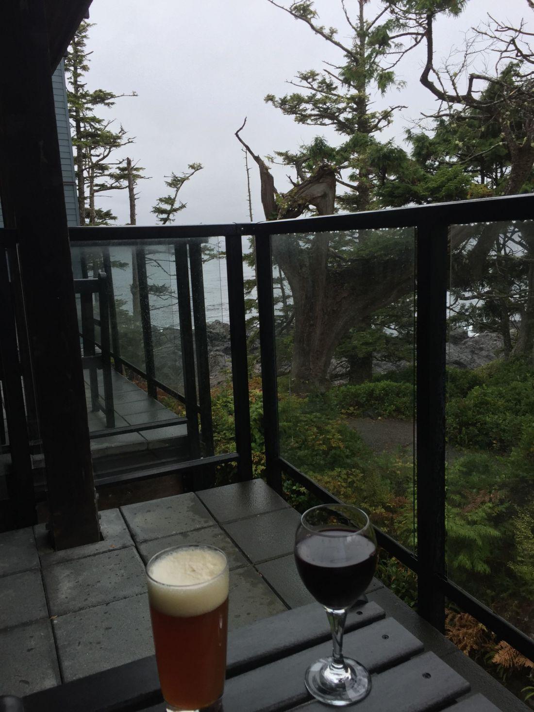 Drinks at Black Rock Oceanfront Resort