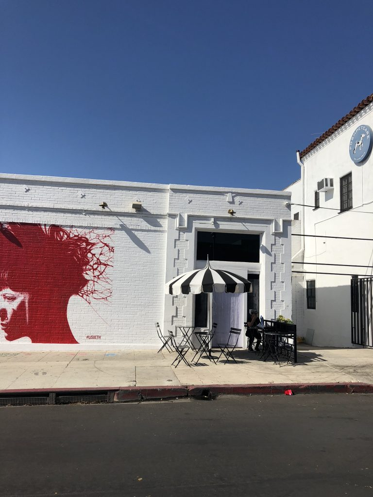 Murals and cafes on Melrose Avenue, LA