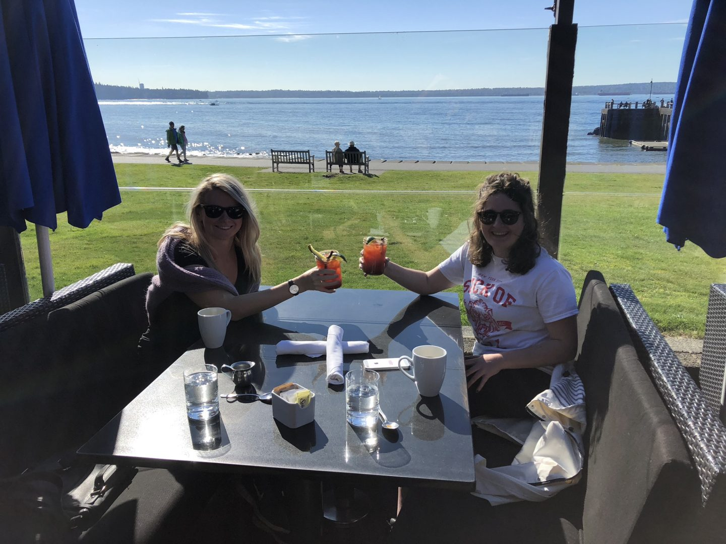 Al fresco brunch in Dundarave