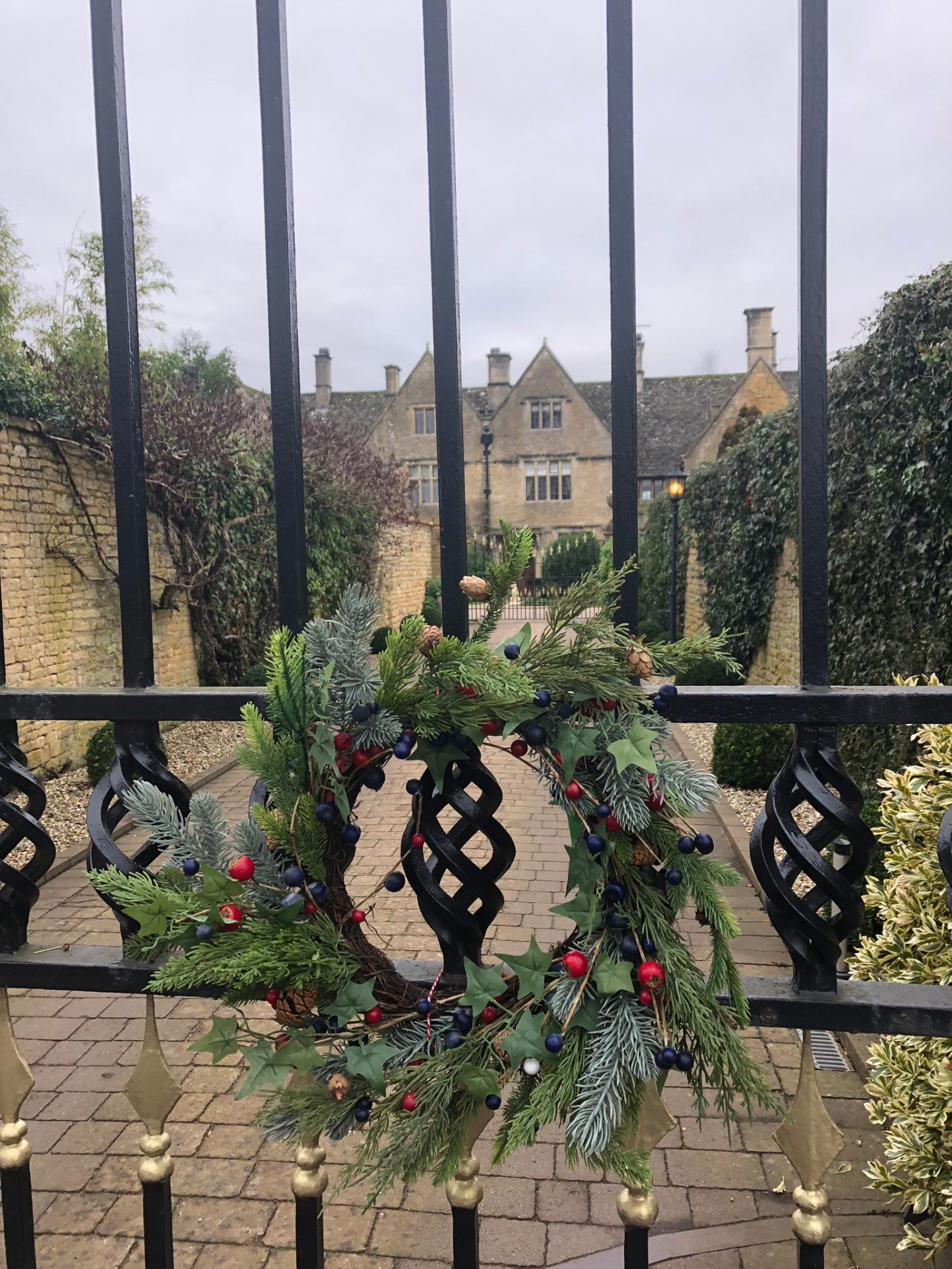 Home for the holidays: Christmas wreath on the Manor, Bourton on the Water