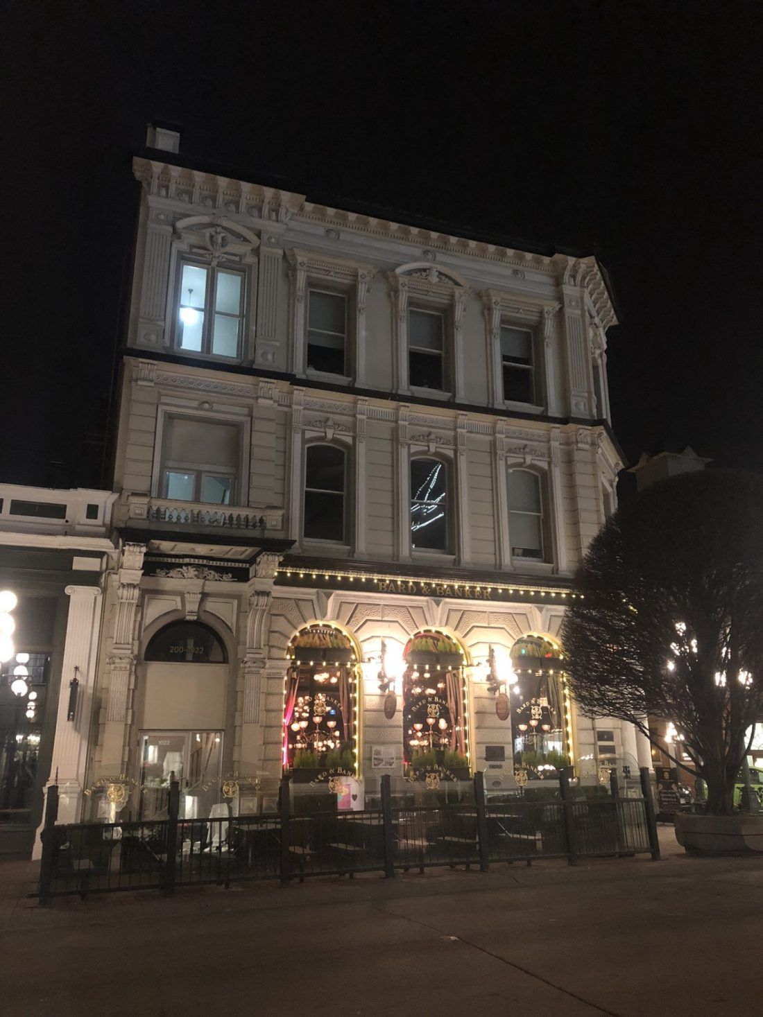 Bard and Banker in Victoria, British Columbia