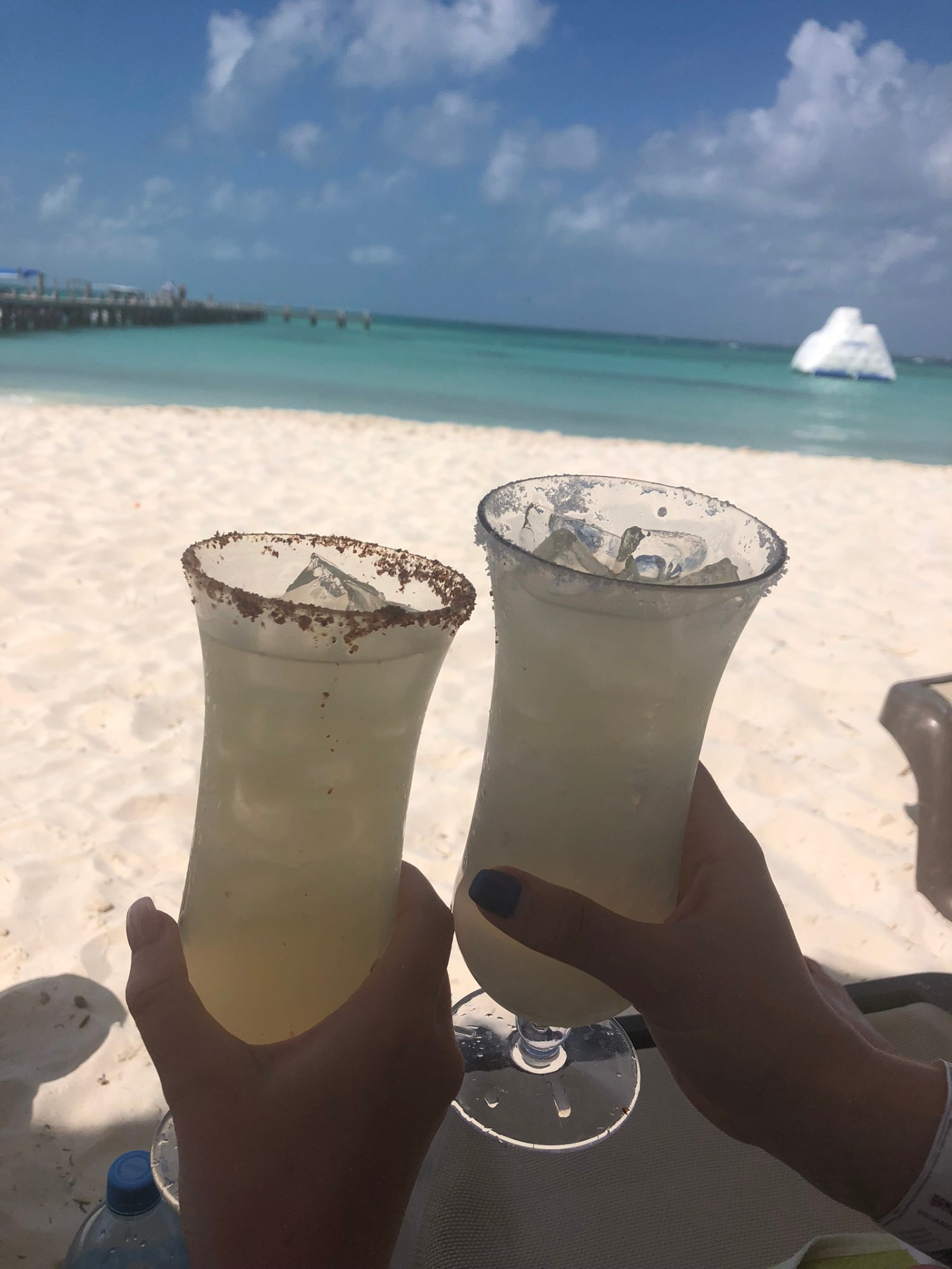 Spring break in Cancun: Margaritas on the beach in Cancun, Mexico