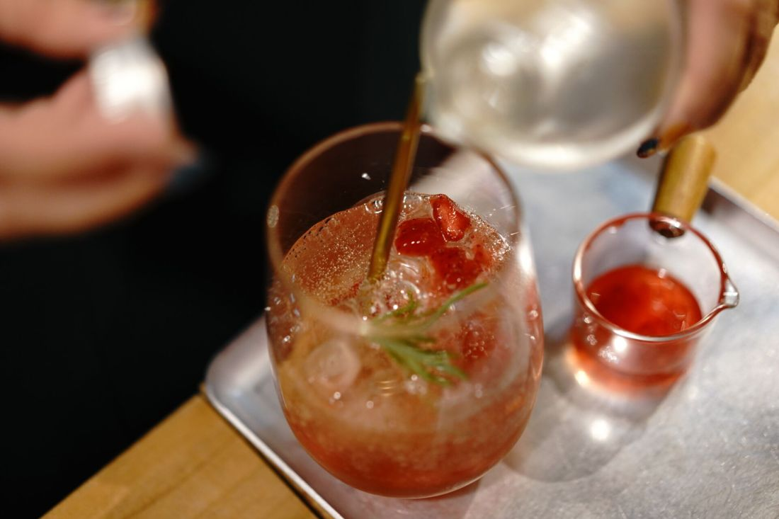 Best online classes: cocktail making