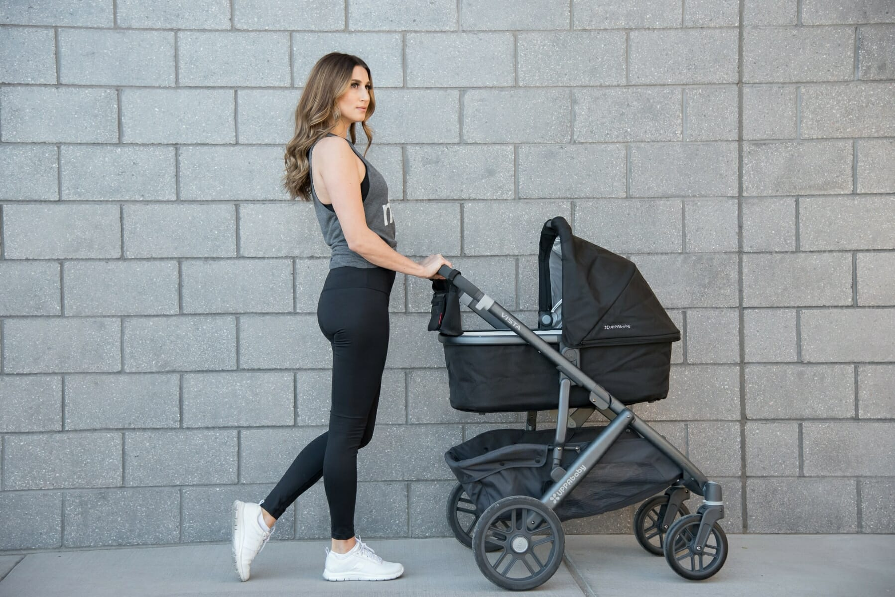 taking-a-stroll-with-uppababy-vista