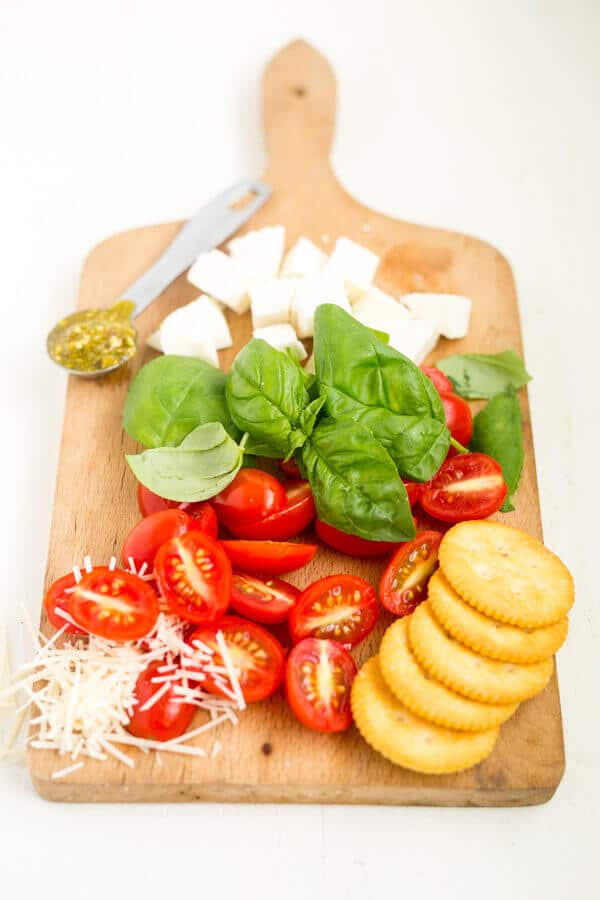 caprese dip ingredients