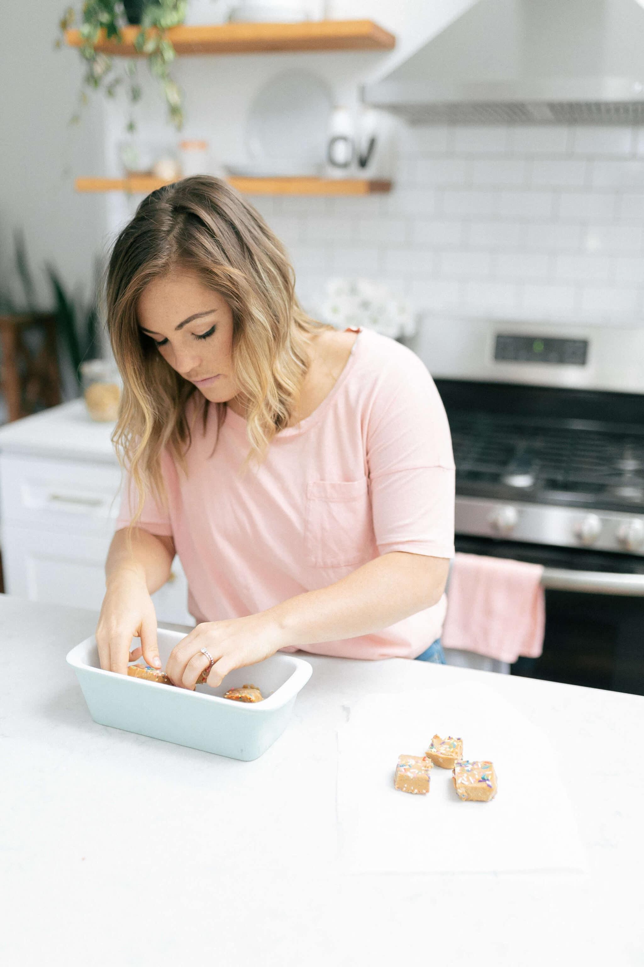 making cake batter keto fudge