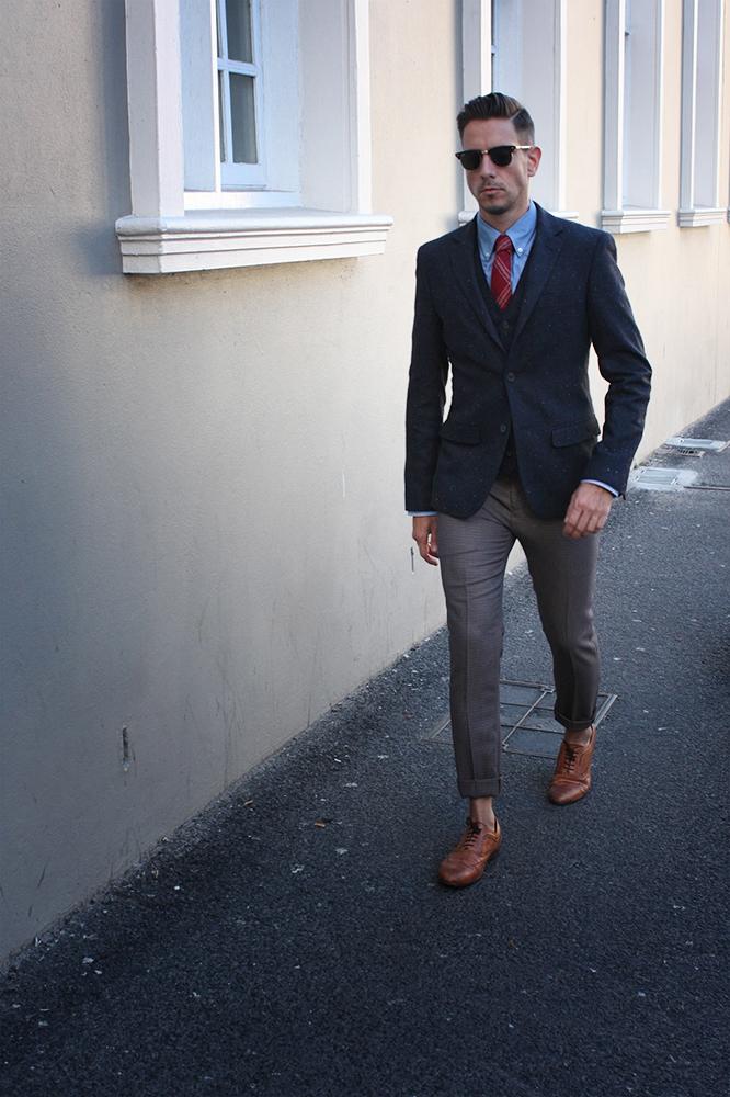 Abercrombie T Shirt Tie
