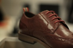 red-brogue-laces-detail