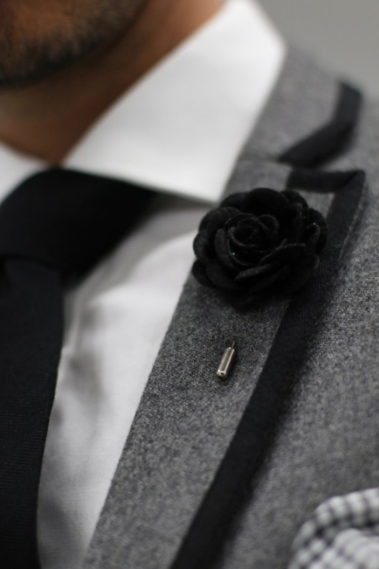 flower-pin-close-up