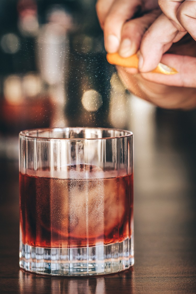Negroni-with-orange-zest-spray