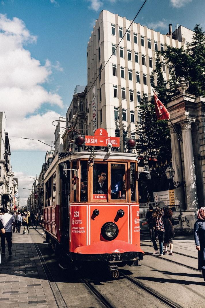 Istanbul---Taksim-Tram-2
