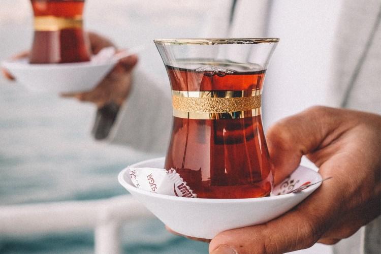 Istanbul-boshphorus-tour-turkish-tea