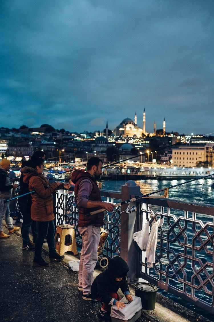Istanbul---fisherman-(night)