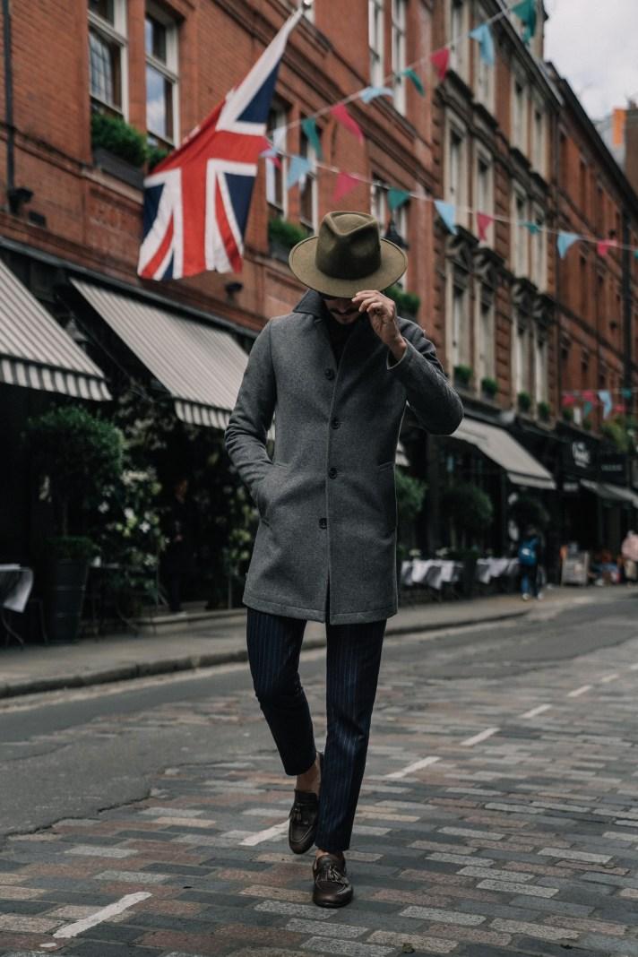 London-street-walking