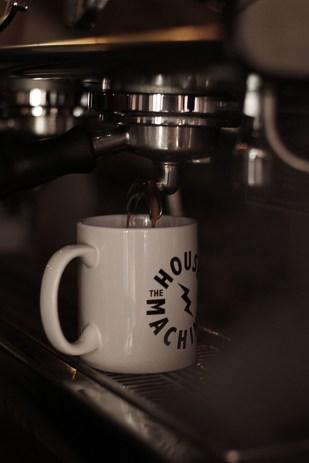 espresso-pour