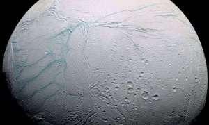 Enceladus, księżyc Saturna, posiada ocean ciekłej wody!