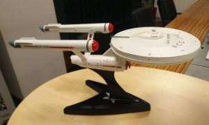 Router Wi-Fi wbudowany w model USS Enterprise ze Star Treka