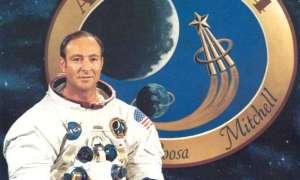 Astronauta z Apollo uważa, że UFO zapobiegło ziemskiej wojnie nuklearnej