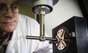Niepozorna maszyna stojąca za wielkimi odkryciami CERN
