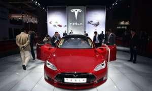 Tesla chce stworzyć swoją bazę w Wielkiej Brytanii