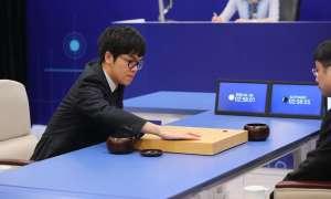 Bot AlphaGo odchodzi na emeryturę i kończy karierę w Go