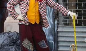 Joaquin Phoenix w stroju klauna – nowe zdjęcia