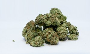 Naukowcy podali pacjentom syntetyczną marihuanę