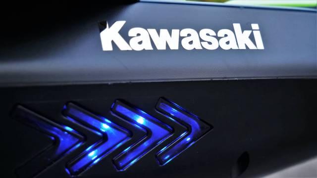 Test Kawasaki KX-PRO 10.0D