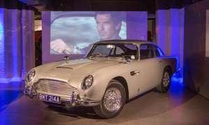 Oryginalny DB5 z filmu Goldfinger zmierza na aukcję