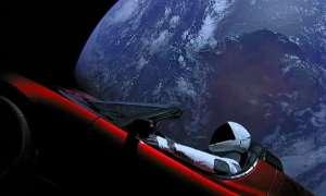 Wysłany w kosmos samochód Tesli okrążył Słońce