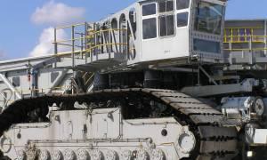 NASA przygotowuje się do przeniesienia platformy startowej przez huragan