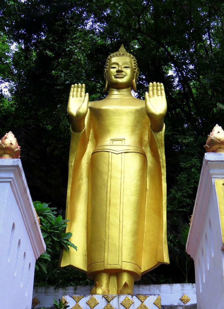 One of the many Buddhas that meet you as you continue your climb up Mount Phou Si